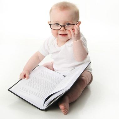 criança estudando